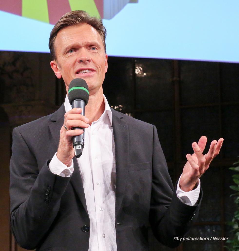 Mag. Roman Kmenta - Keynote Speaker und Vortragsredner - by picturesborn