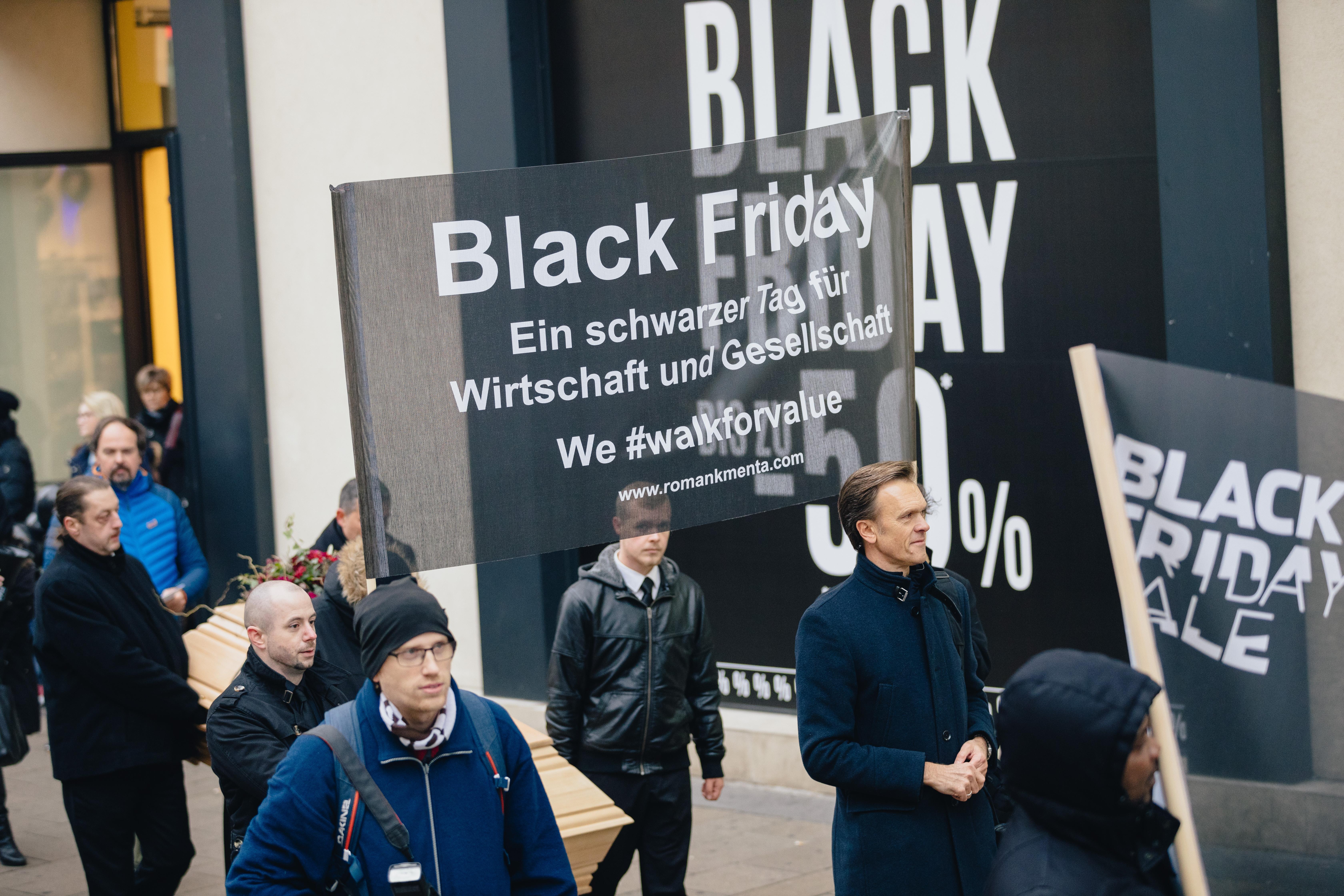 Wirtschaftsexperte Mag. Roman Kmenta - Black Friday 2018